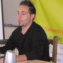 Juan Carlos Aguilar de Abraza la Tierra