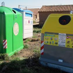 Contenedores de reciclaje en Ituero