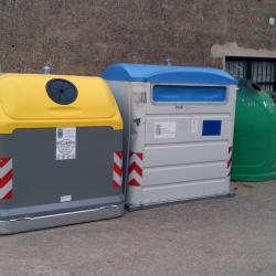 Contenedores de reciclaje en Cubo de la Solana